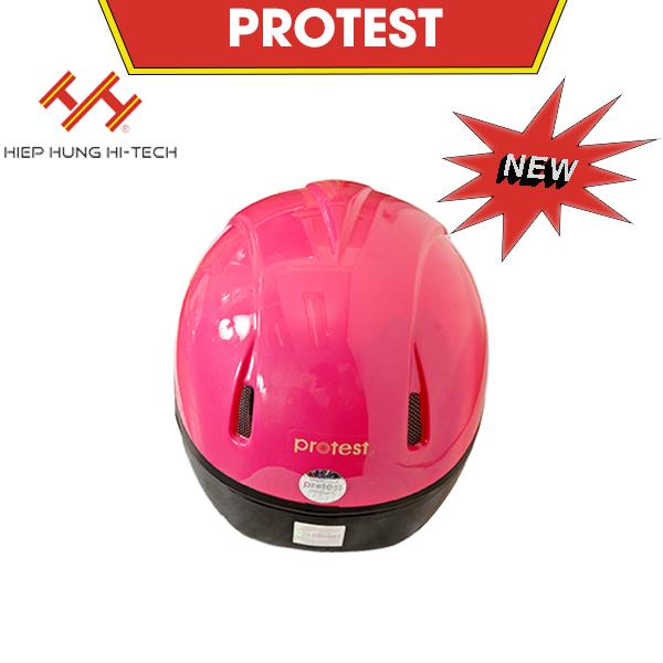 hiephung-mu-bao-hiem-protest-4