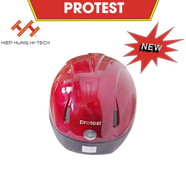 hiephung-mu-bao-hiem-protest-6